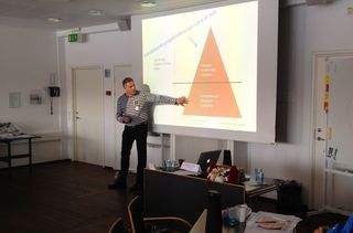 Seminar by John Hansen - Danish Project Management Symposium 2013 - Copenhagen